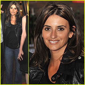 Penelope Cruz Arrives in Toronto Pronto