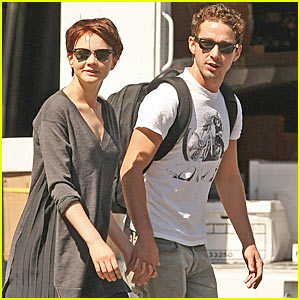 Shia LaBeouf & Carey Mulligan: Holding Hands!
