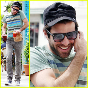 Zachary Quinto is a Cheerful Chatter