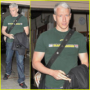 Anderson Cooper & Padma Lakshmi Do 'Regis & Kelly'