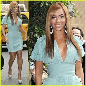 Beyonce Celebrates Billboard's Women In Music