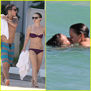 Christina ricci dating curtis buchanan
