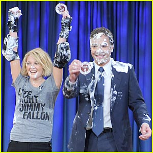 Drew Barrymore Sets World Record in Pie-Throwing