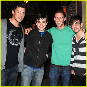 'Glee' Guys Hit Continental Midtown