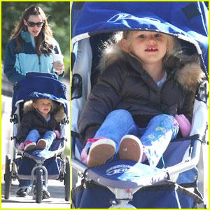 Jennifer Garner & Violet: Promenade Pair