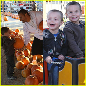Britney's Boys are Pumpkin Pickers!