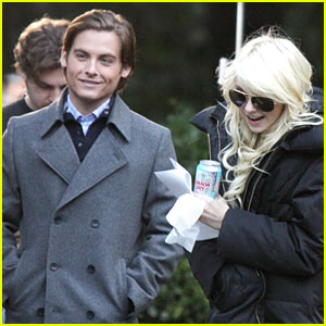 Kevin Zegers & Taylor Momsen: Gossip Girl Couple!