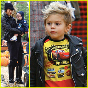 Kingston & Zuma Rossdale: Pumpkin Picking Kids