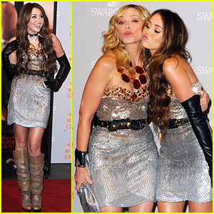 Miley Cyrus & Kim Cattrall Pucker Up For Sex and the City