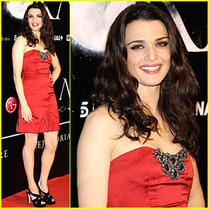 Rachel Weisz: Ravishing Red!