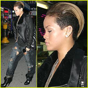Rihanna Gets Ripped