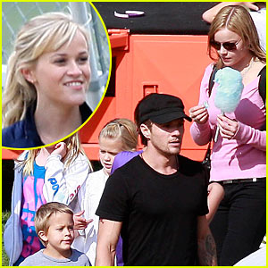 Ryan Phillippe & Abbie Cornish: Harvest Festival!