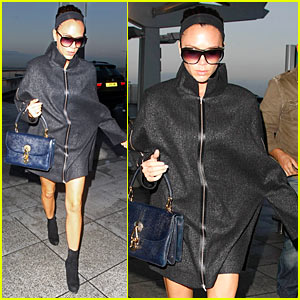 Victoria Beckham Rocks Niccolo Cape
