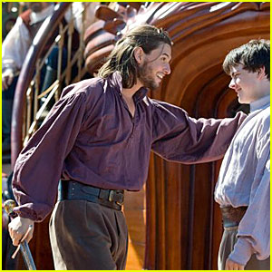 Ben Barnes: First ' Voyage of the Dawn Treader' Stills!