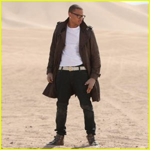Chris Brown - 'Crawl' Music Video Premiere