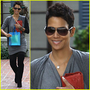 Halle Berry: All Smiles about Skin Care