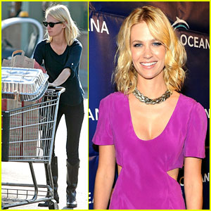 January Jones Prepares Thanksgiving Dinner