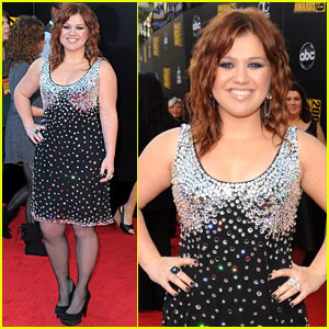 Kelly Clarkson - AMAs 2009 Red Carpet