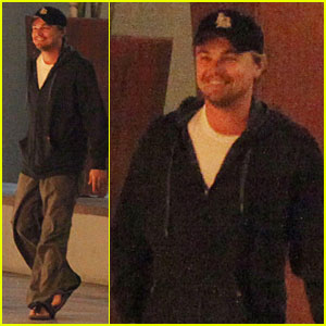 Leonardo DiCaprio's Thanksgiving: Mexico with Mom!