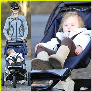 Nicole Kidman & Keith Urban Take Sunday for A Stroll