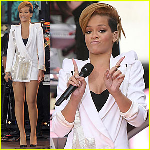Rihanna: Good Morning America!!!
