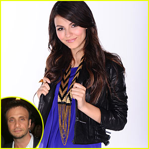 Victoria Justice Signs With Britney's Manager -- Larry Rudolph!
