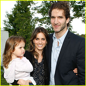 Amanda Peet & Husband: Expecting Their Second Child!