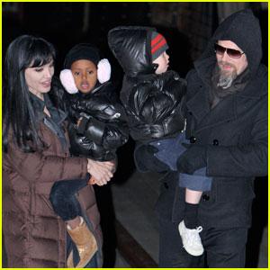 Angelina Jolie & Kids: Bubble Jacket Family!