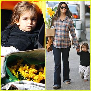 Camila Alves & Levi McConaughey: Daffodil Duo