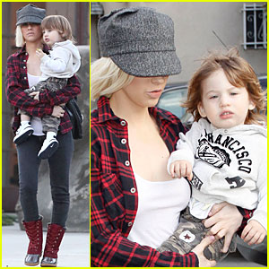 Christina Aguilera: Max-imum Maxfield's
