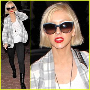 Christina Aguilera: Sexy Shopper!