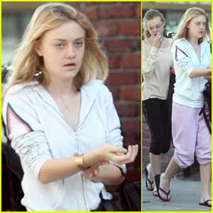 Dakota Fanning Decks The Nails