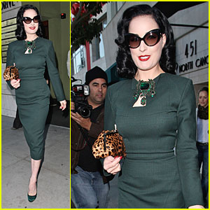 Dita Von Teese Makes It In The Nick Of Time