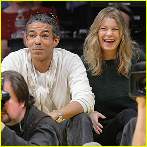 Ellen Pompeo Celebrates Christmas... with the Lakers!