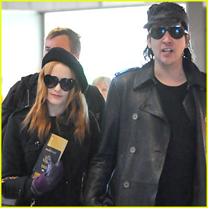 Marilyn Manson & Evan Rachel Wood Hold Hands at Paris Airport