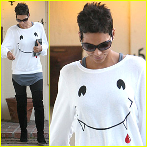 Halle Berry: Smiley Face With Fangs