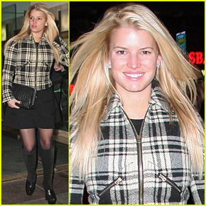 Jessica Simpson Is Pretty In Plaid