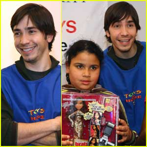 Justin Long Is A Giving Guy