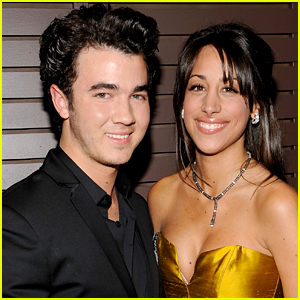 Kevin Jonas: Wedding Details with Danielle Deleasa!