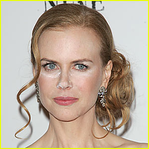 Nicole Kidman: Powder Makeup Malfunction!