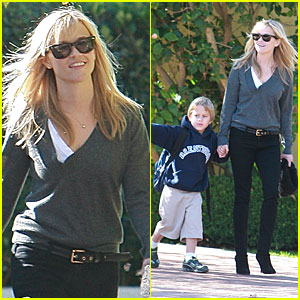 Reese Witherspoon Spends The Day with Deacon