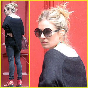 Sienna Miller Visits Jude Law's Apartment?