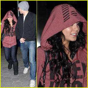 Vanessa Hudgens & Zac Efron Sneak A Date Night