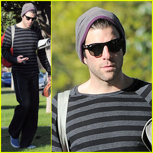 Zachary Quinto is Yoga Yummy