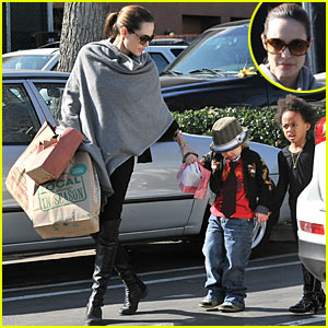 Angelina Jolie: Whole Foods Grocery Shopping!