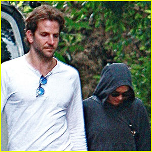 Bradley Cooper & Renee Zellweger Check Out The New House