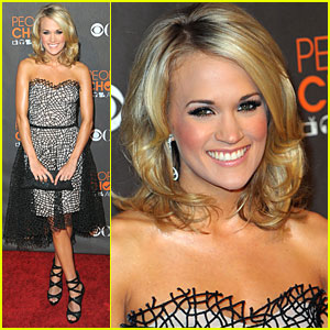 Carrie Underwood: People's Choice Awards 2010 Red Carpet