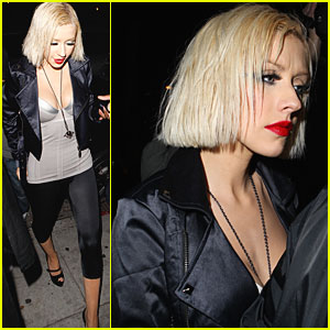 Christina Aguilera is Wonderland Wonderful