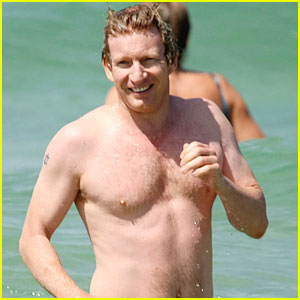 David Wenham Hits Bondi Beach