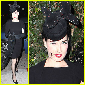Dita Von Teese Visits The Daily Planet Bookstore